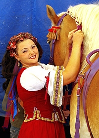 5 Tosca Zoppe and her horse.jpg